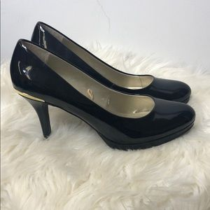 TAHARI Heels Shoes Black 7.5